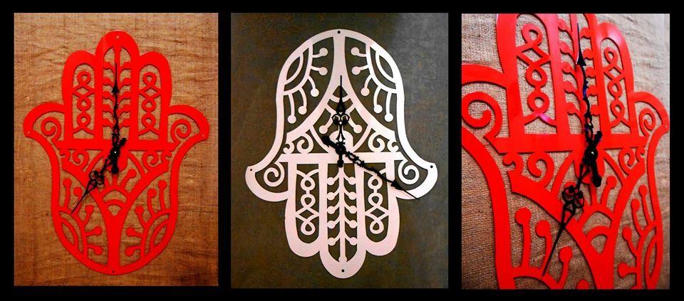 horloge main de fatma artisans d 39 art. Black Bedroom Furniture Sets. Home Design Ideas